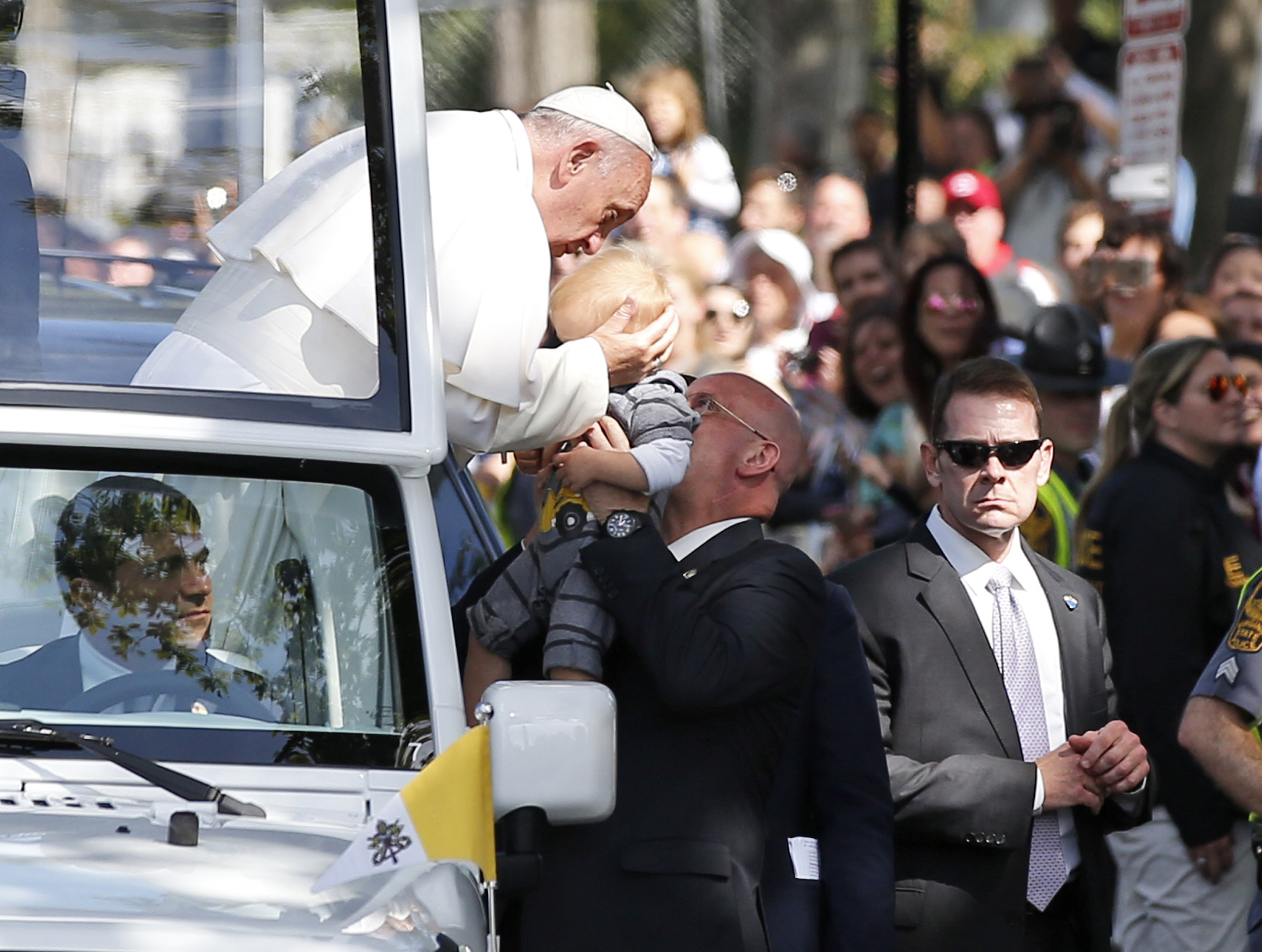 Preparing security for a papal kiss