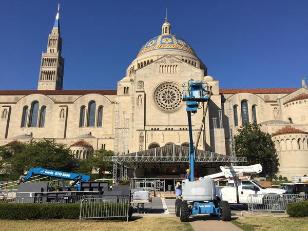 D.C. basilica makes final papal preparations