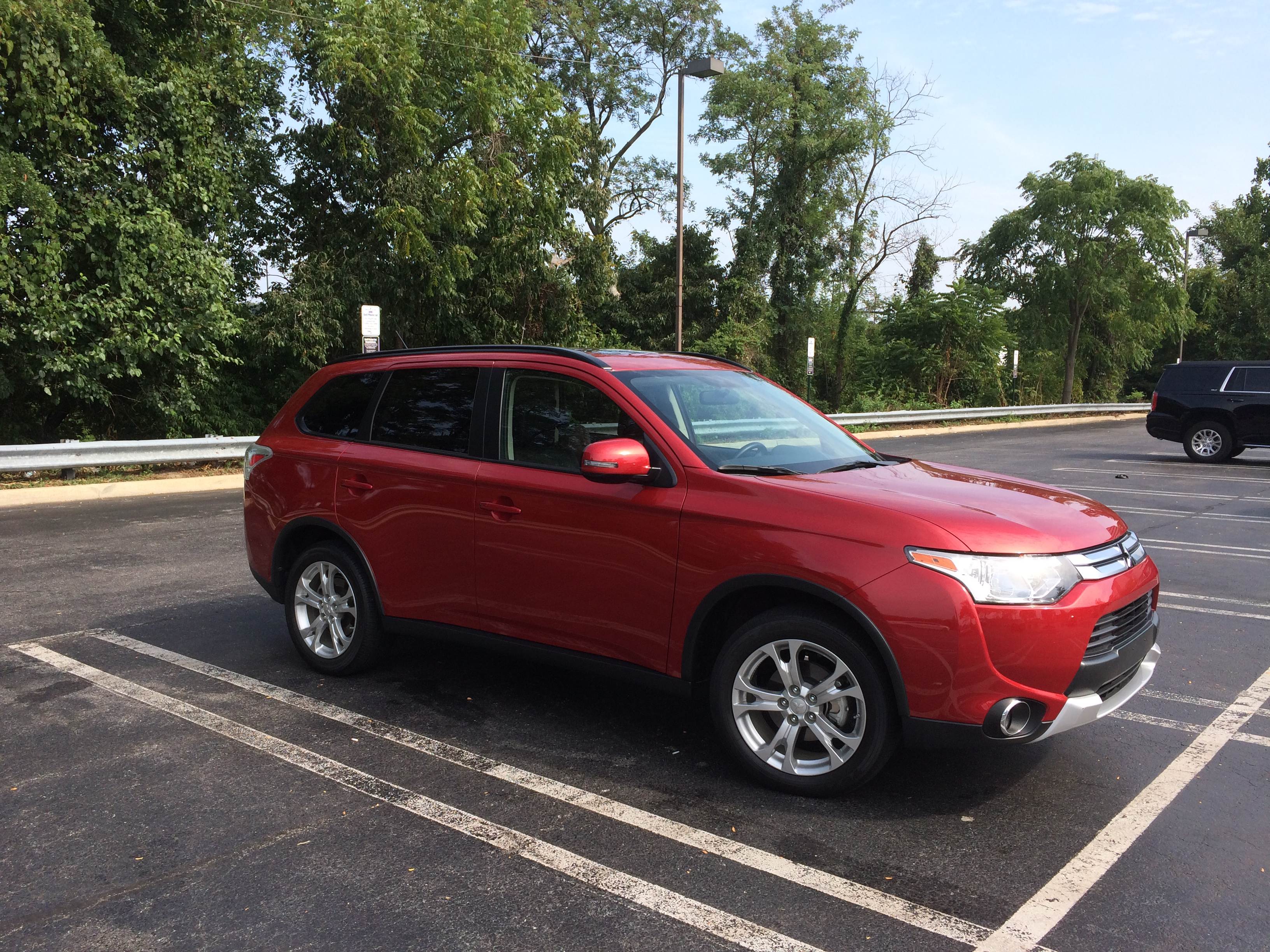 2015 Mitsubishi Outlander SE: An affordable seven-passenger crossover