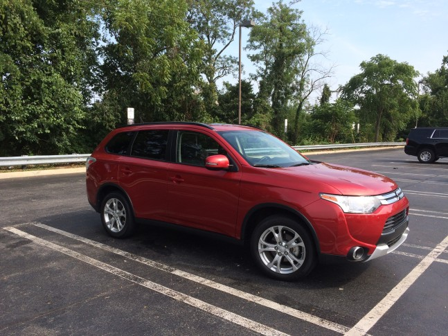 2015 mitsubishi outlander se an affordable seven passenger crossover wtop. Black Bedroom Furniture Sets. Home Design Ideas