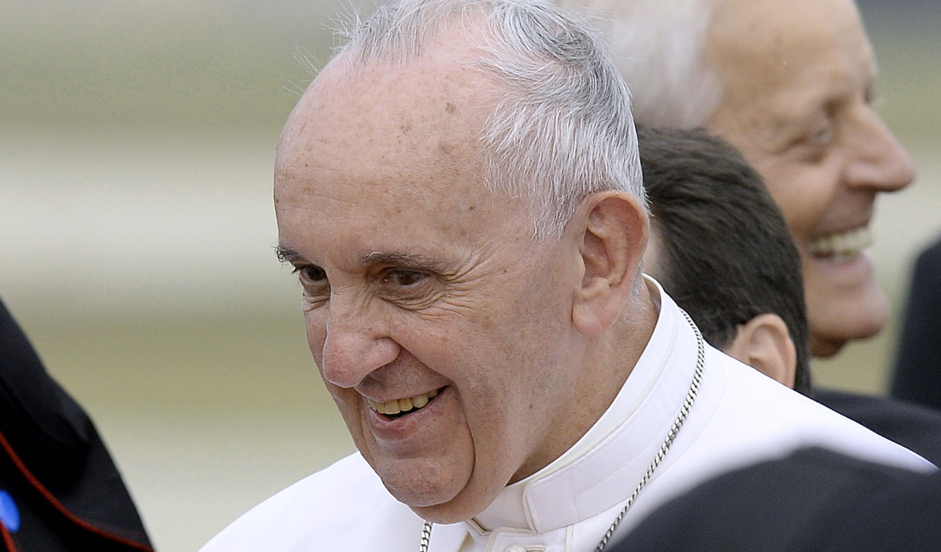 JOINT BASE ANDREWS, MD - SEPTEMBER 22:   (AFP OUT) Pope Francis arrives from Cuba September 22, 2015 at Joint Base Andrews, Maryland. Francis will be visiting Washington, New York City and Philadelphia during his first trip to the United States as Pope.  (Photo by Olivier Douliery-Pool/Getty Images)