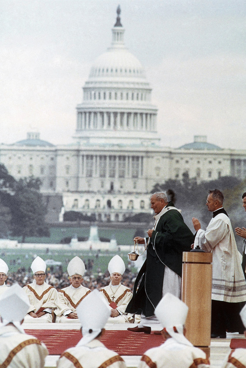 Pope John Paul II at mass on the Mall in Washington on Oct. 7, 1979. (AP Photo)