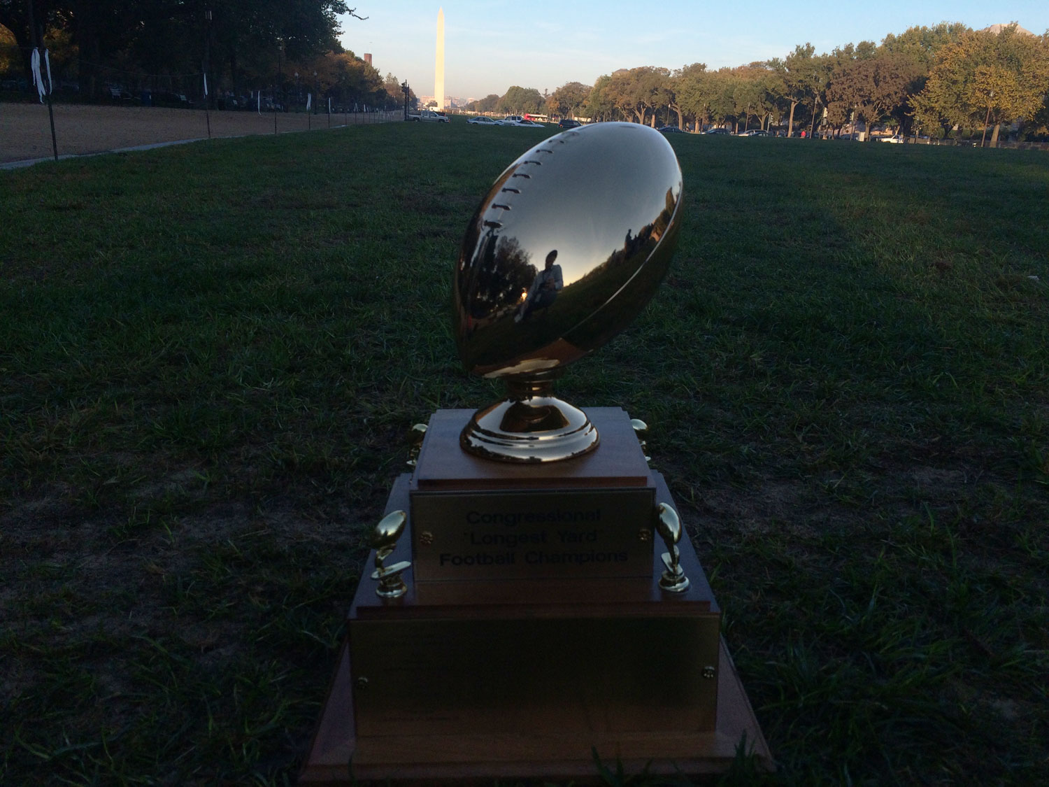 Lawmakers hit gridiron for Congressional Football Game