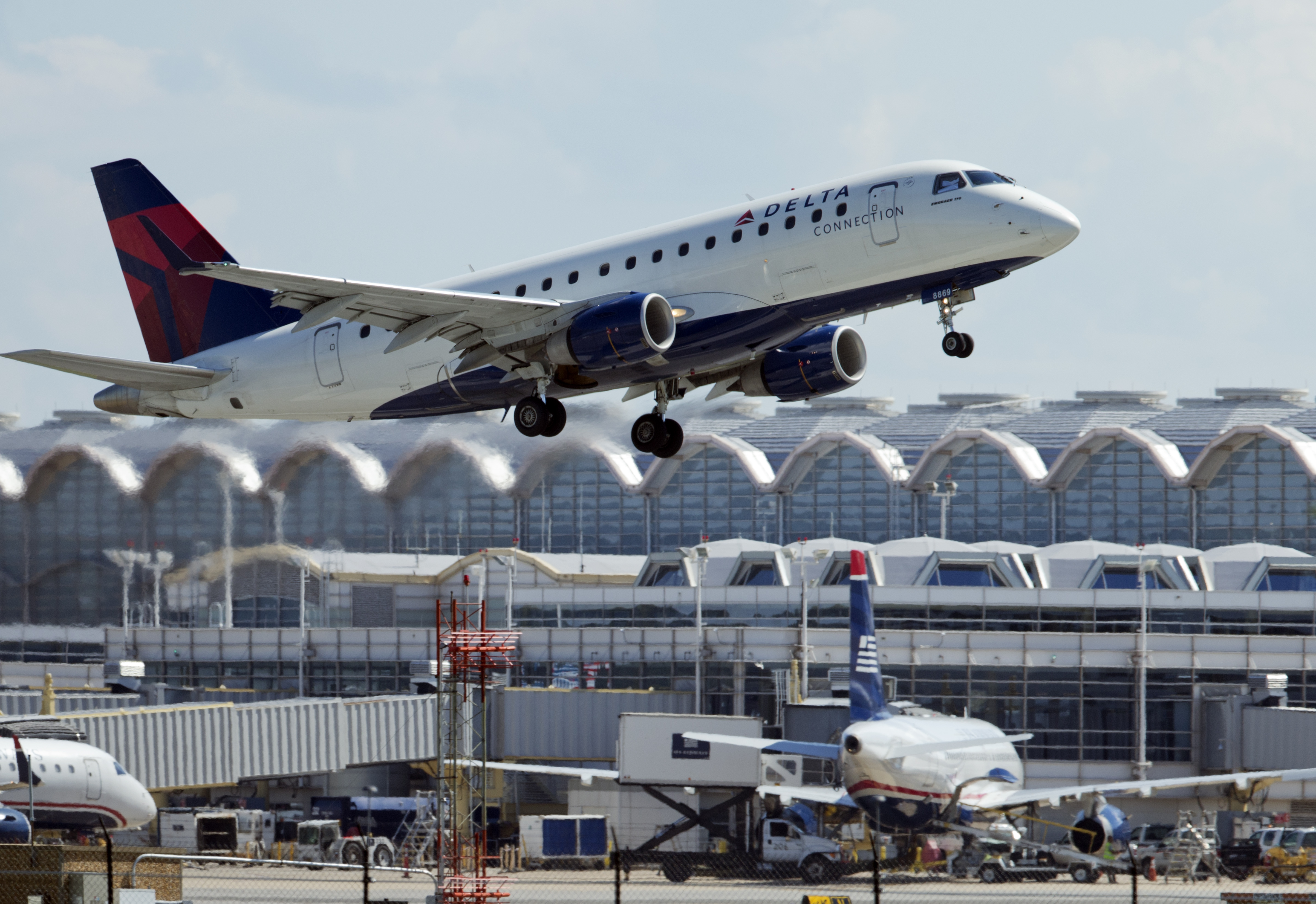 How do DC-area airports stack up against the rest of the US?