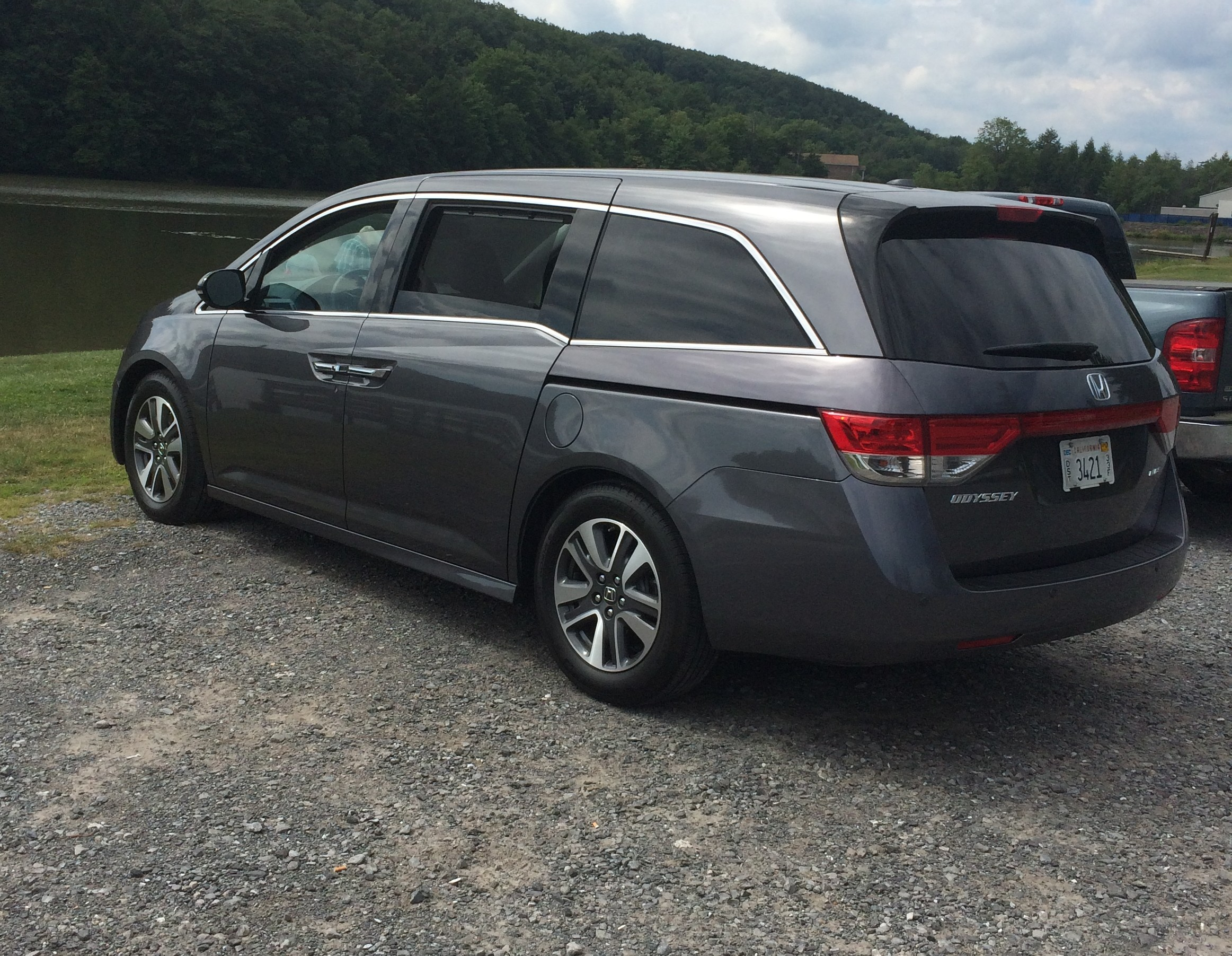 Honda Odyssey Touring Elite: A comfortable people mover