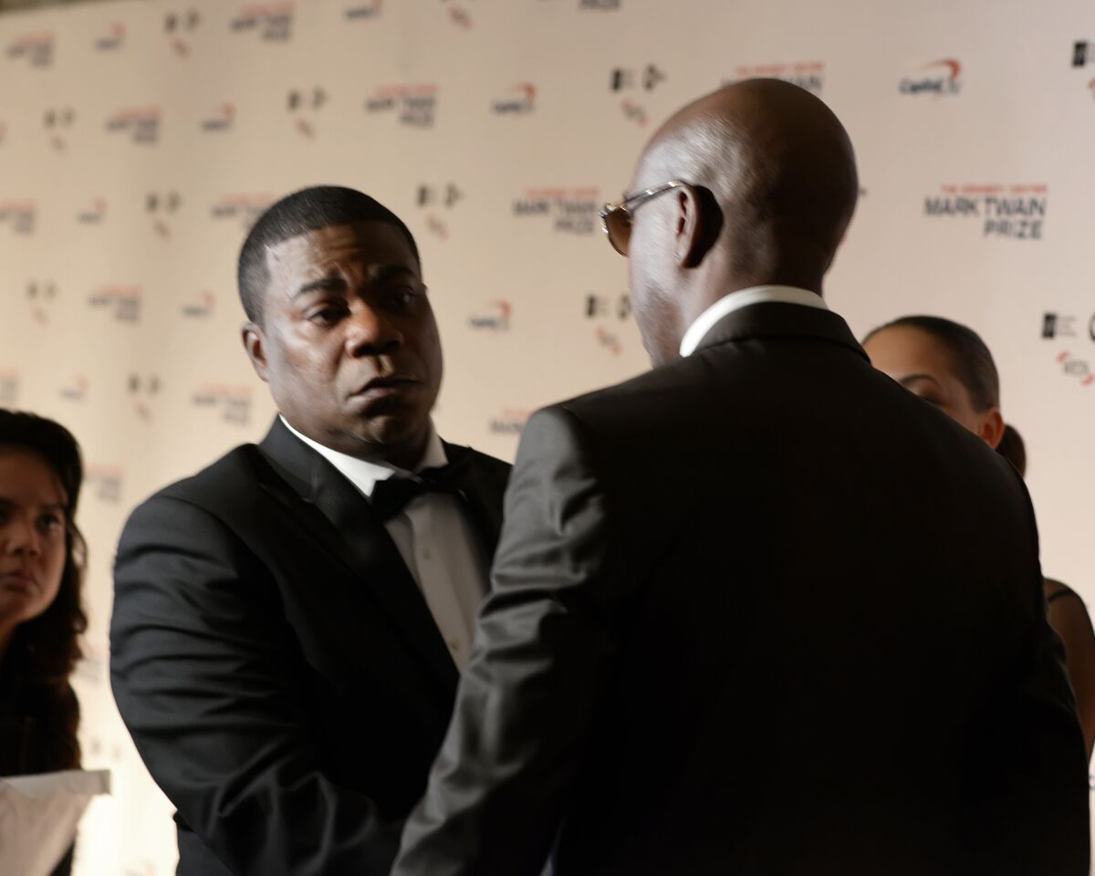 A special moment between Tracy Morgan and JB Smoove on the red carpet. (Courtesy Shannon Finney, www.shannonfinneyphotography.com)
