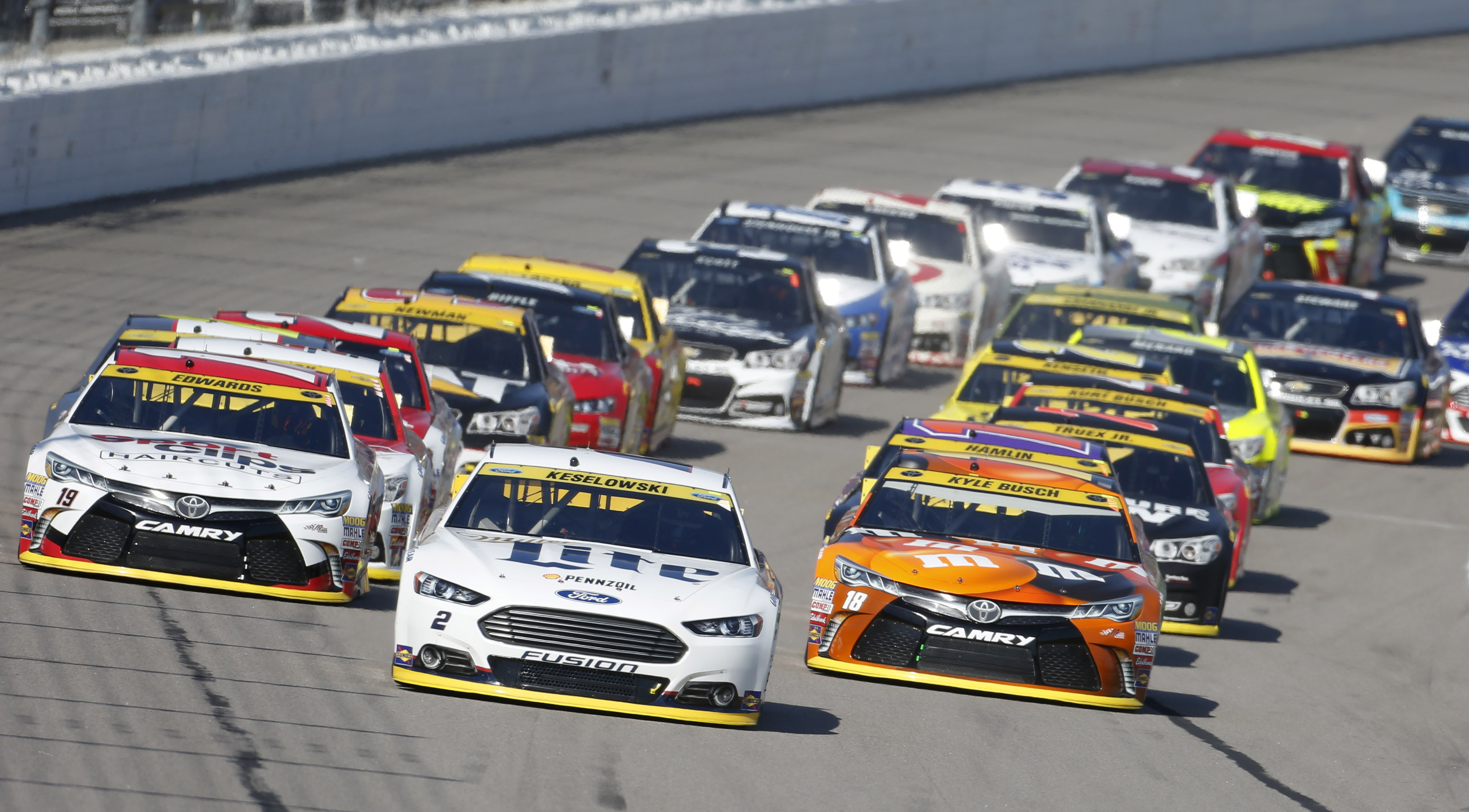 Logano Spins Out Kenseth Late Wins At Kansas Speedway Wtop