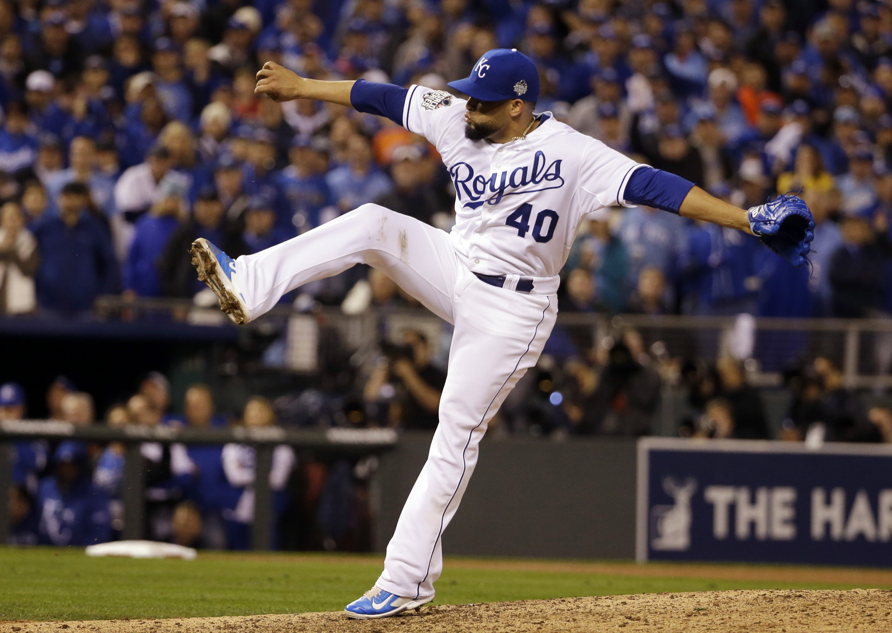 Kansas City Royals pitcher Kelvin Herrera throws during the eighth inning of Game 1 of the Major League Baseball World Series against the New York Mets Tuesday, Oct. 27, 2015, in Kansas City, Mo. (AP Photo/David J. Phillip)