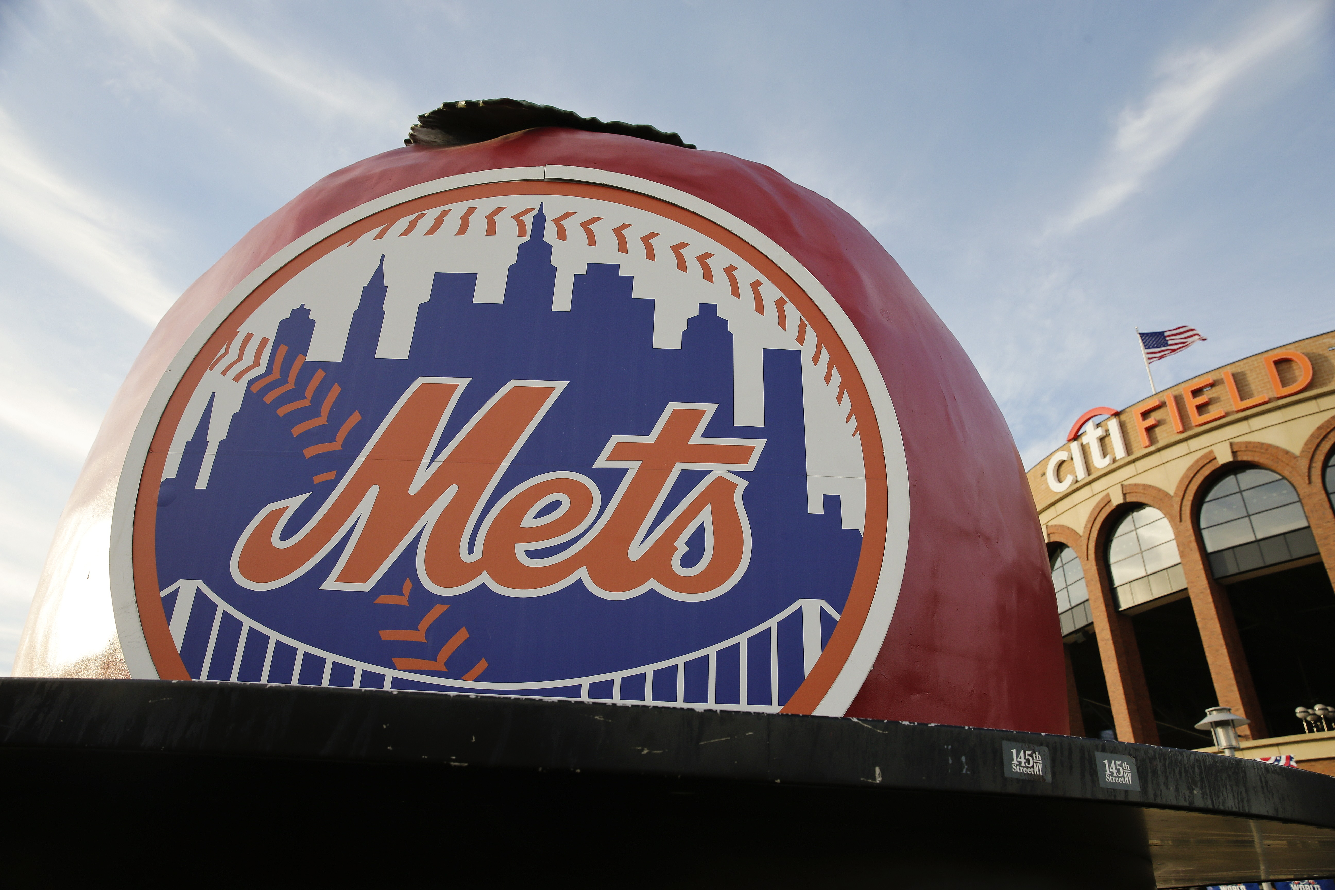 Column: Mets' Jessica Mendoza hire exposes conflict of interest for MLB broadcasters