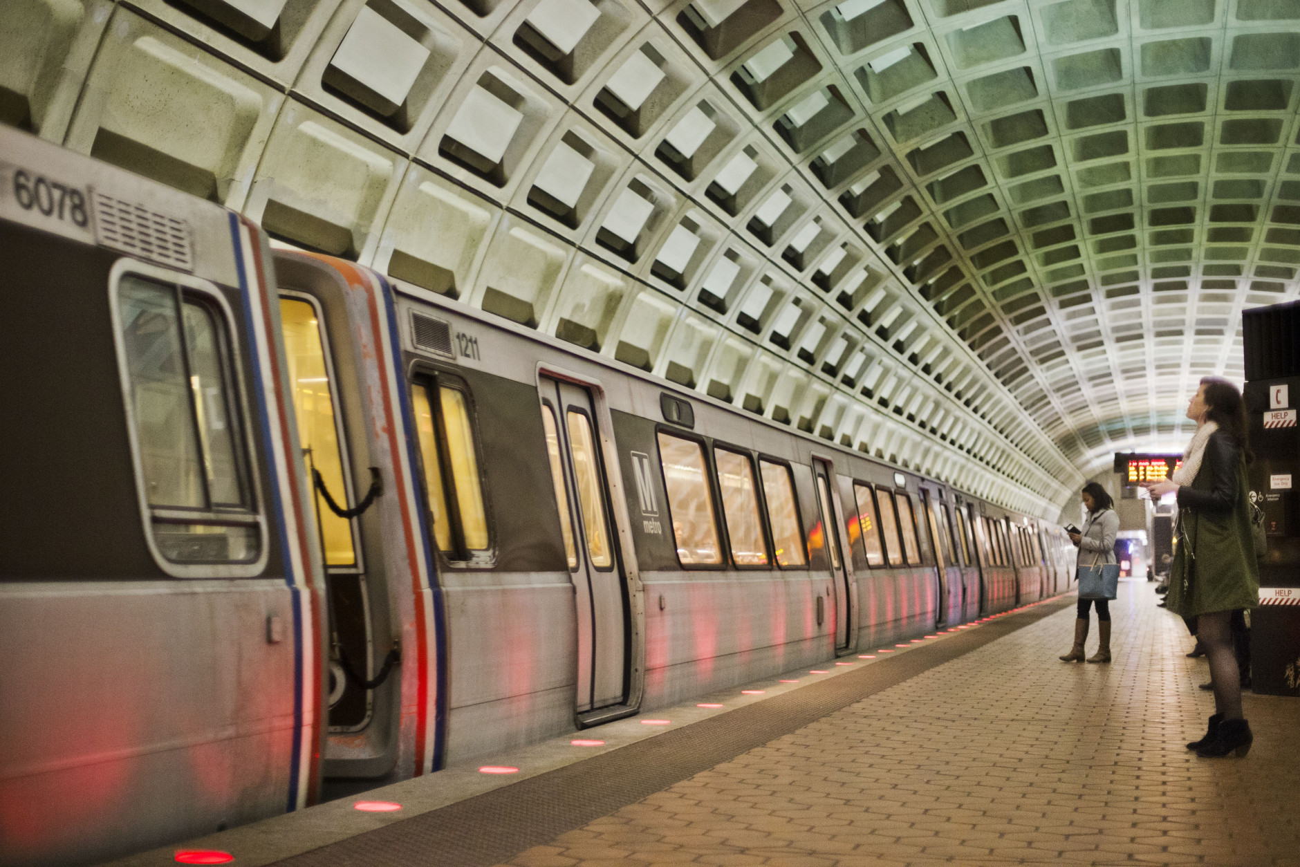 U.S. Secretary of Transportation transfers Metro safety oversight to FTA
