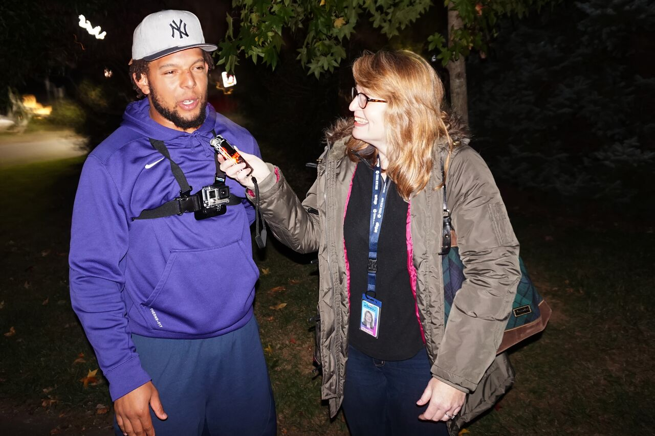 WTOP's Michelle Basch interviews Mason Foster here after touring the haunted house. (Courtesy Shannon Finney, www.shannonfinneyphotography.com)