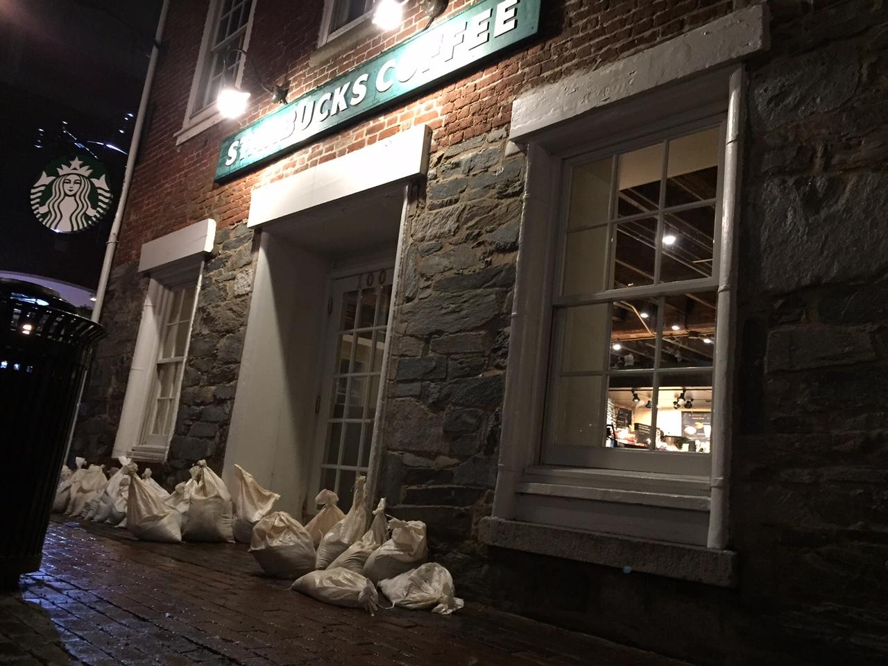 Alexandria readies for flooding, offers sandbags