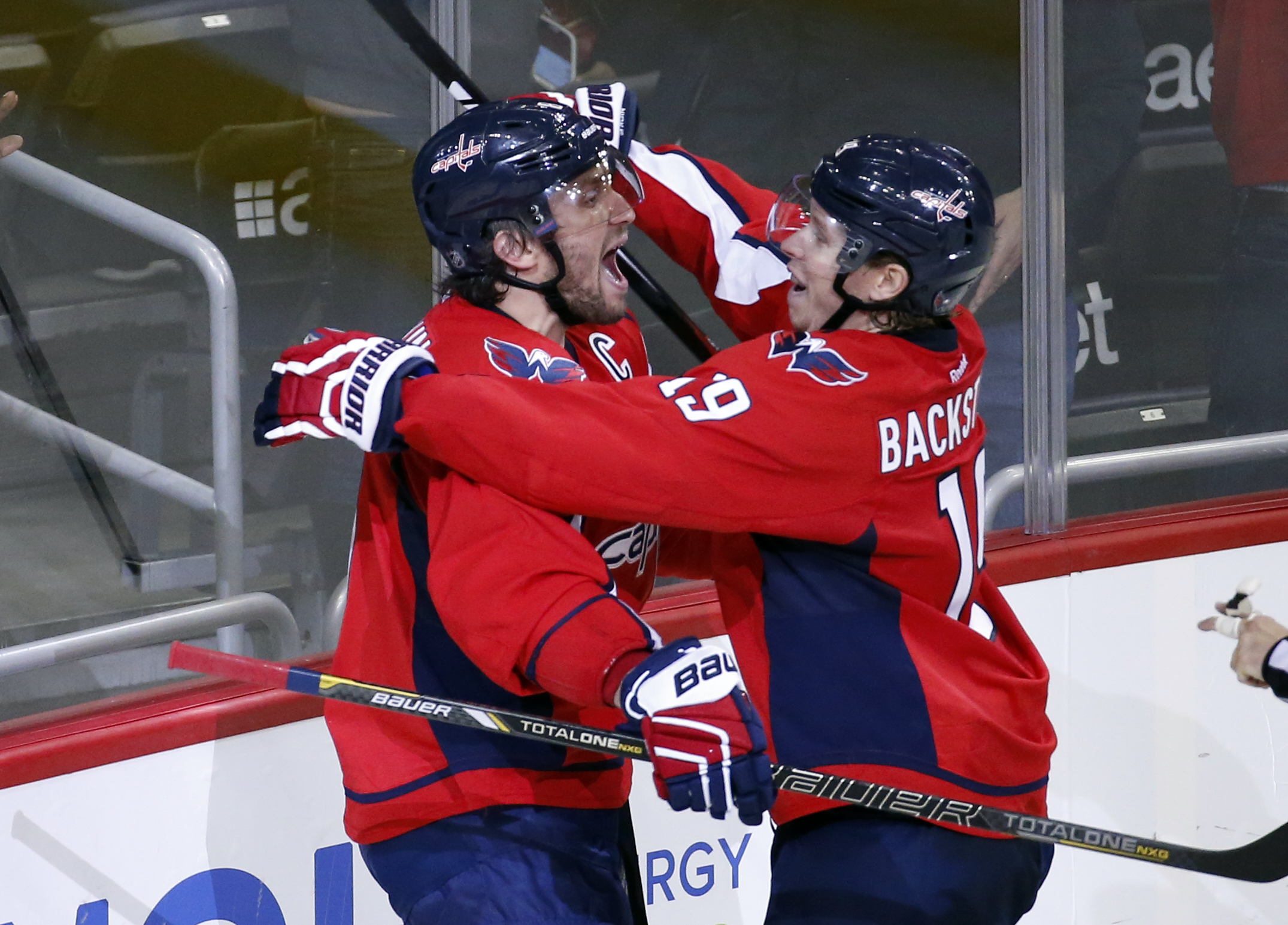 Ovechkin sets Russian goal-scoring record