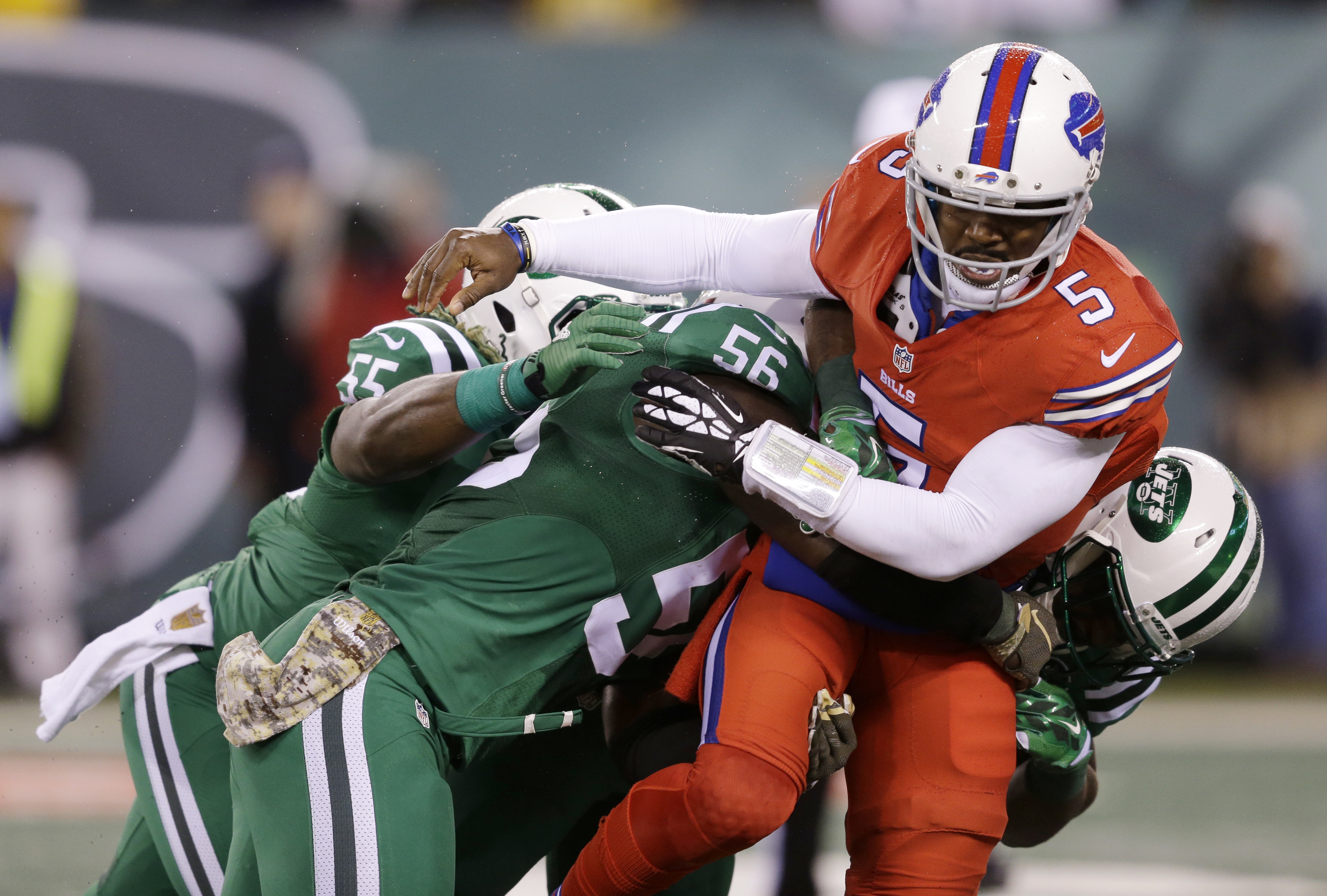 Special uniforms at Bills-Jets game 'total chaos' for some fans (Video)