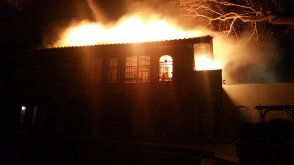 Fire destroys Fort Washington house