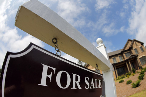 Existing home sales post first annual drop in 8 months