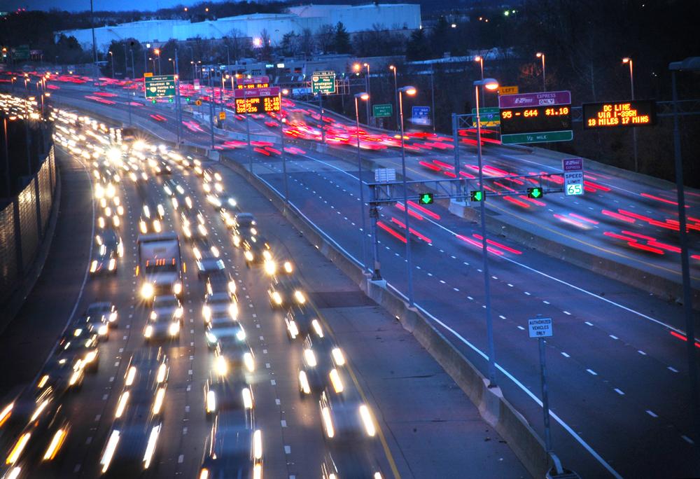 Study: Clogged traffic awaits local holiday travelers