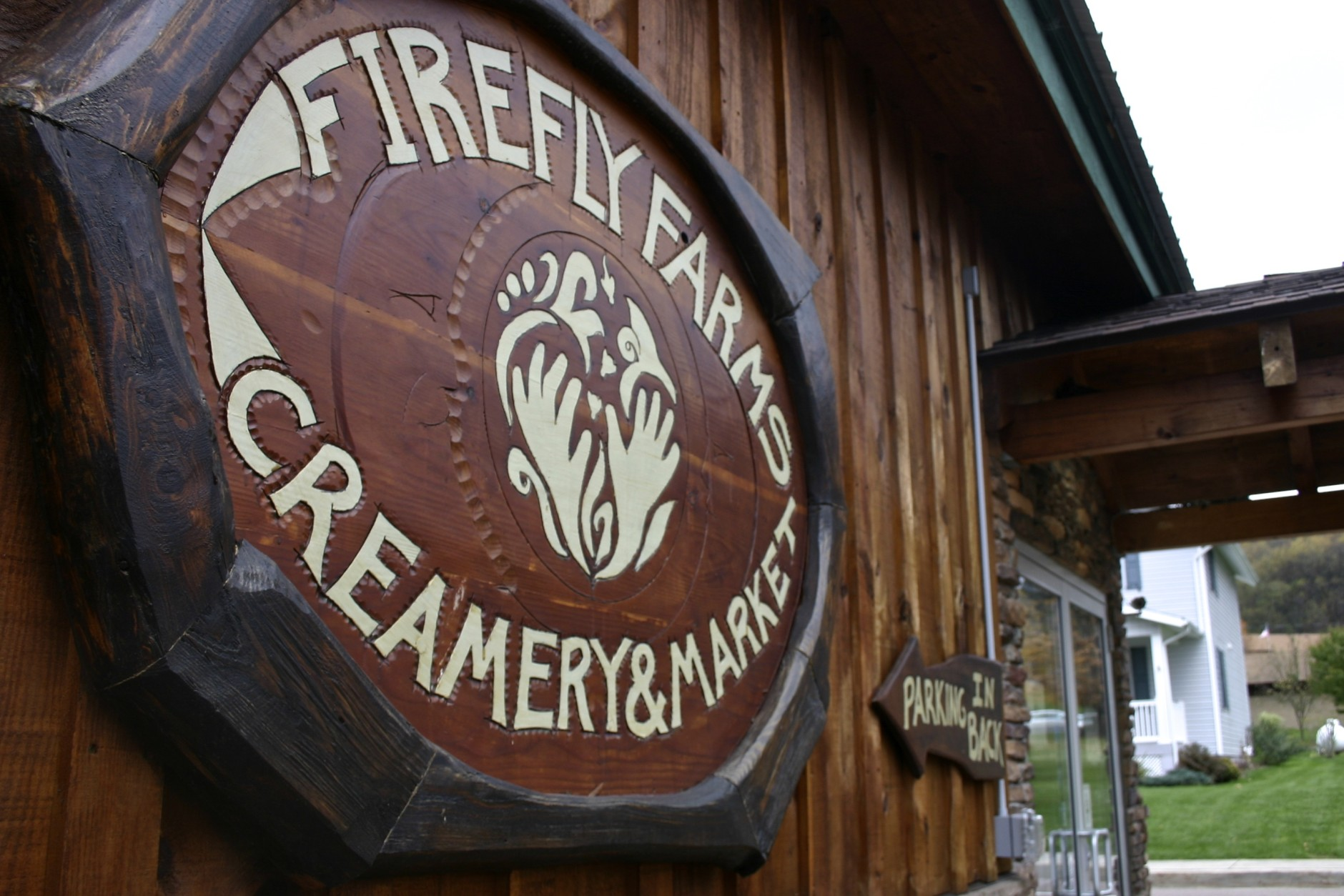 Outside the Firefly Farms Creamery and Market in Accident, Maryland. (WTOP/Kate Ryan)