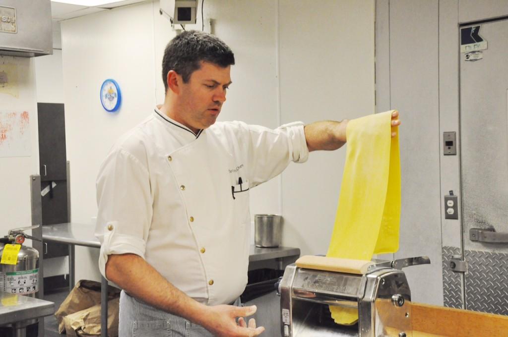Making pasta 2941 restaurant