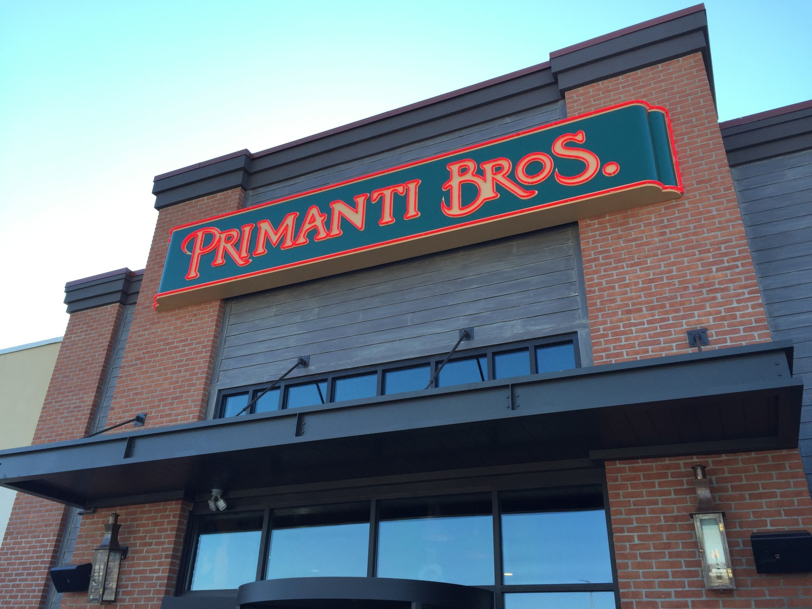 Primanti Bros., a Pittsburgh favorite, just opened its first restaurant location in Maryland at Valley Mall in Hagerstown. (WTOP/Michelle Basch)