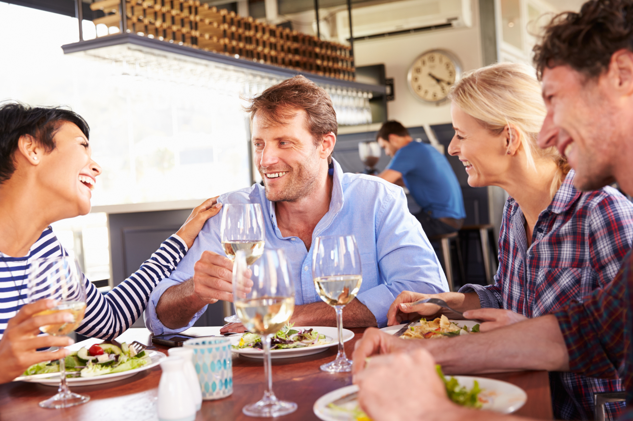 Men eat more in front of women, study finds