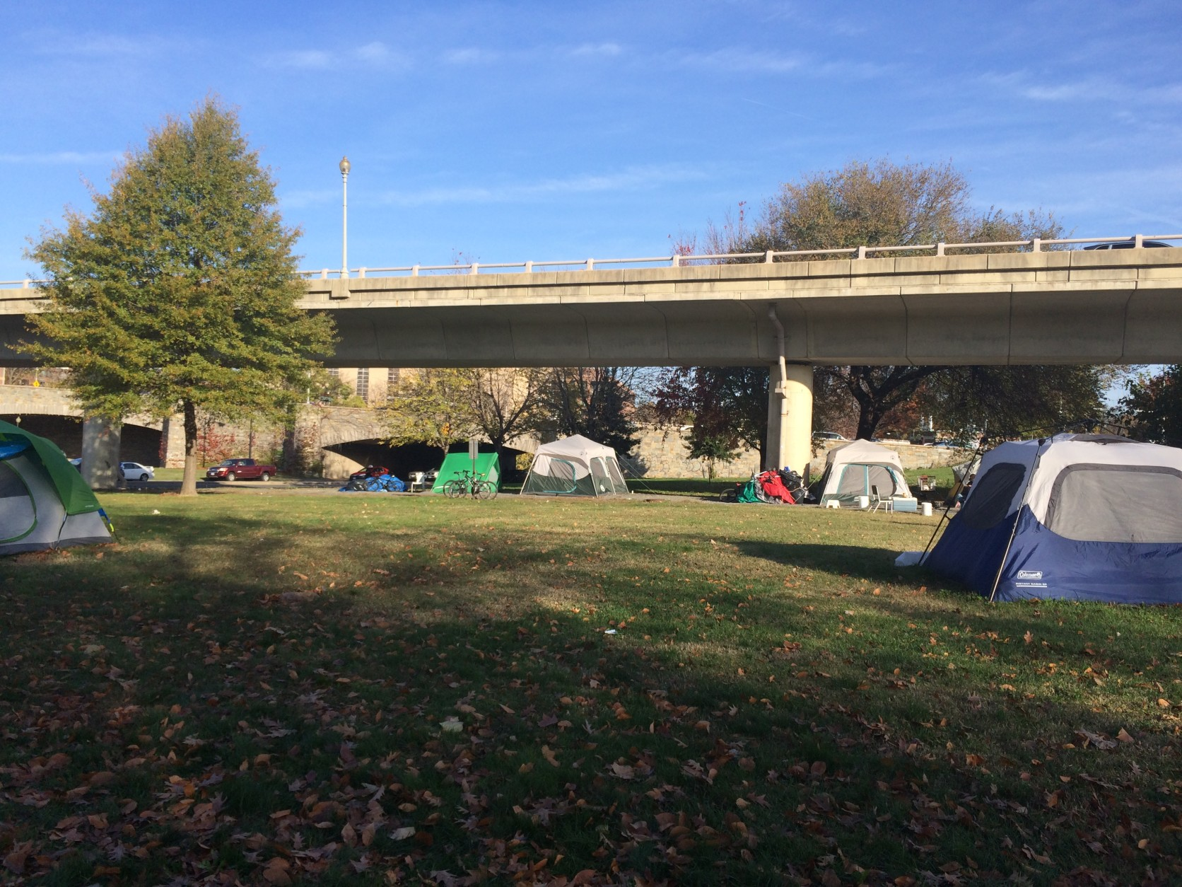 A number of homeless people live in a tent community near Rock Creek Parkway and Virginia Avenue . (WTOP/Nick Iannelli)