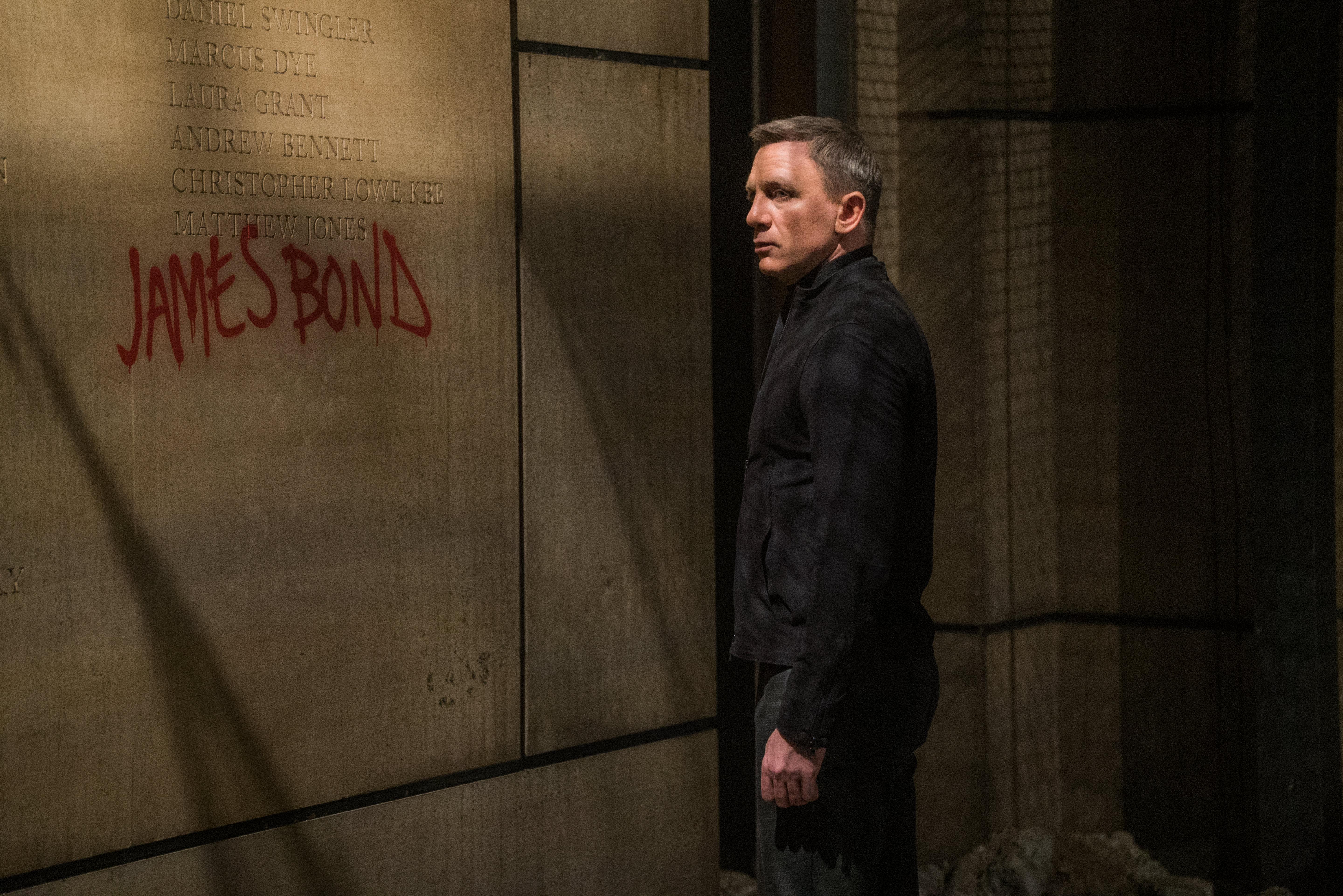 Daniel Craig returns for fourth — and final? — 007 flick 'Spectre'
