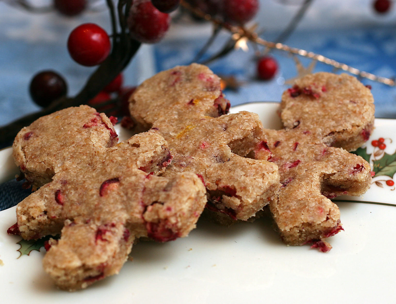 ** FOR USE WITH AP WEEKLY FEATURES ** These Cranberry-Orange Shortbread Cut-Outs  from Country Living magazine's Holiday 2006 issue make use of your cookie cutters after the baking is done. (AP Photo/Larry Crowe)
