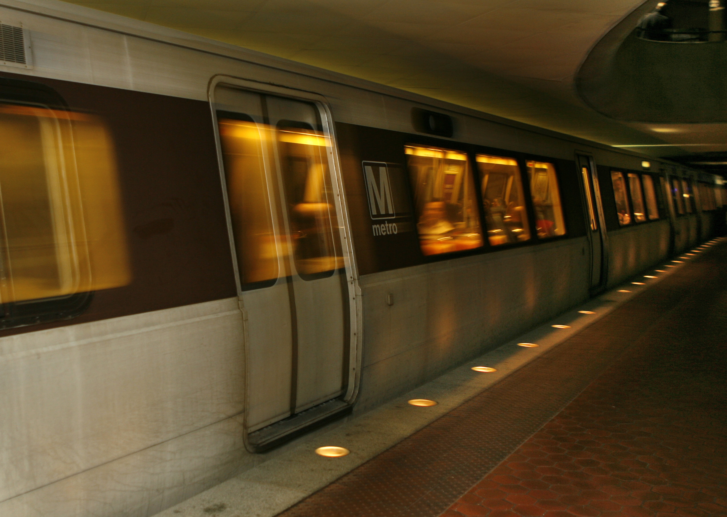Metro approves sponsorship to provide free rides on New Year's Eve