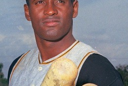 This is a March 1972 photo showing Pittsburgh Pirates' Roberto Clemente.  (AP Photo)