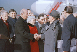 Secretary of State George Shultz welcomes Soviet Secretary General of the Communist Party Mikhail Gorbachev at Andrews Air Force Base on Monday, December 1987. Gorbachev is in the United States for talks with President Reagan on peace. (AP Photo/Boris Yurchenko)