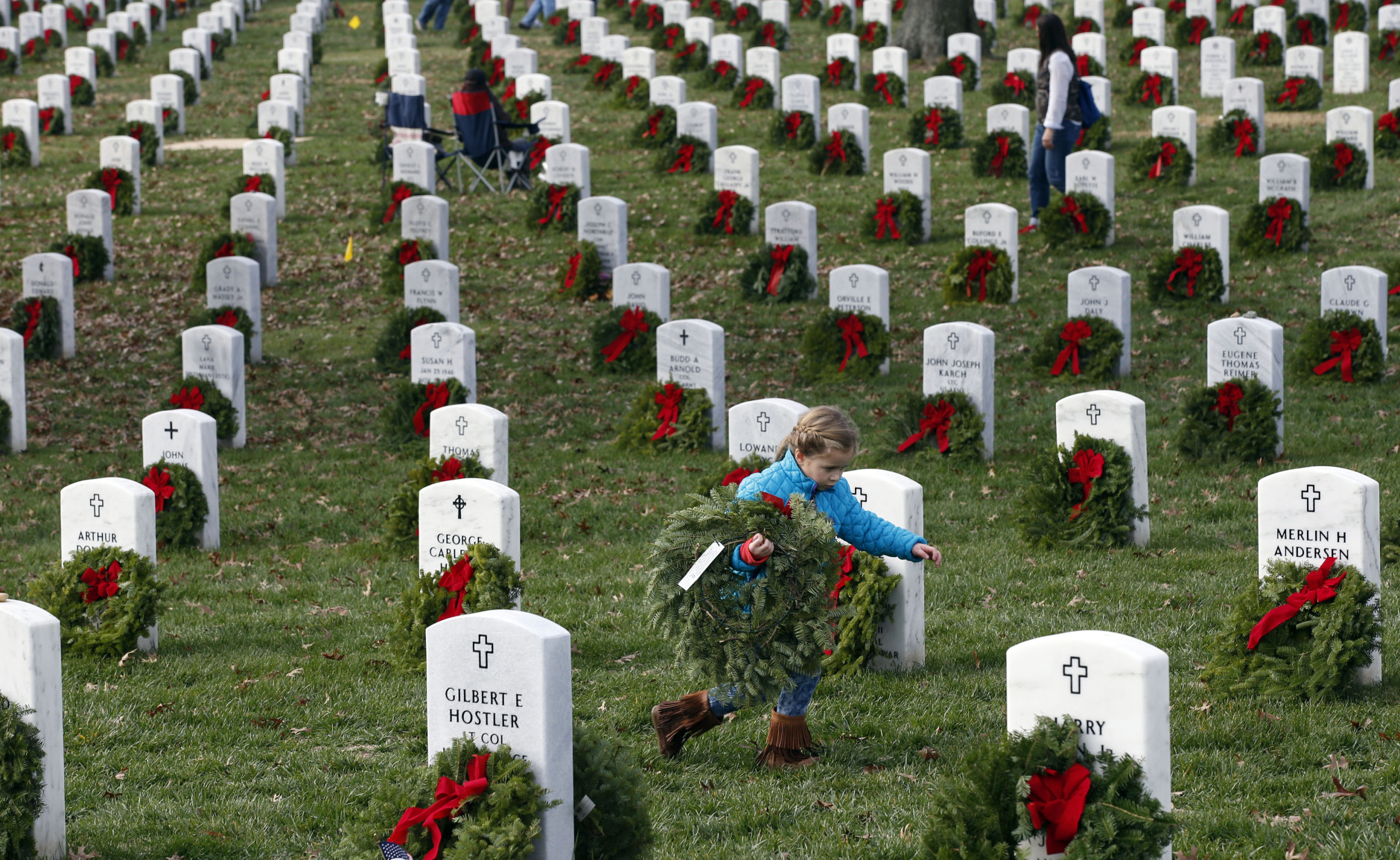 volunteers needed for annual wreath laying at arlington national
