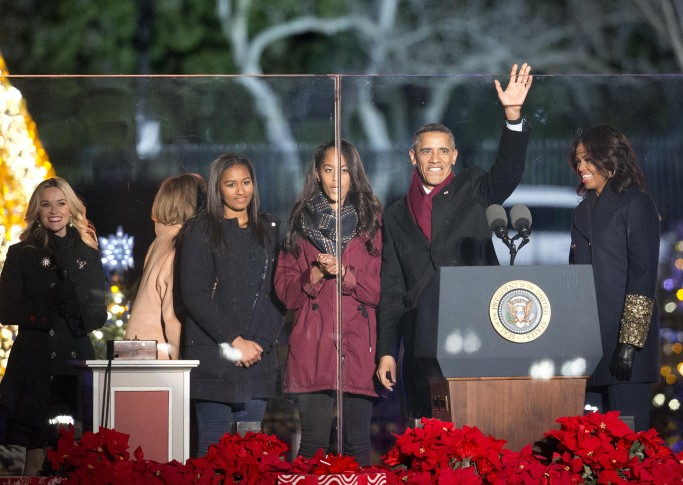 ... with first lady Michelle Obama and their daughters Sasha and Malia and Michelleu0027s mother Marian Robinson after lighting the National Christmas Tree ...  sc 1 st  WTOP.com & Photos: National Christmas Tree Lighting Ceremony | WTOP azcodes.com