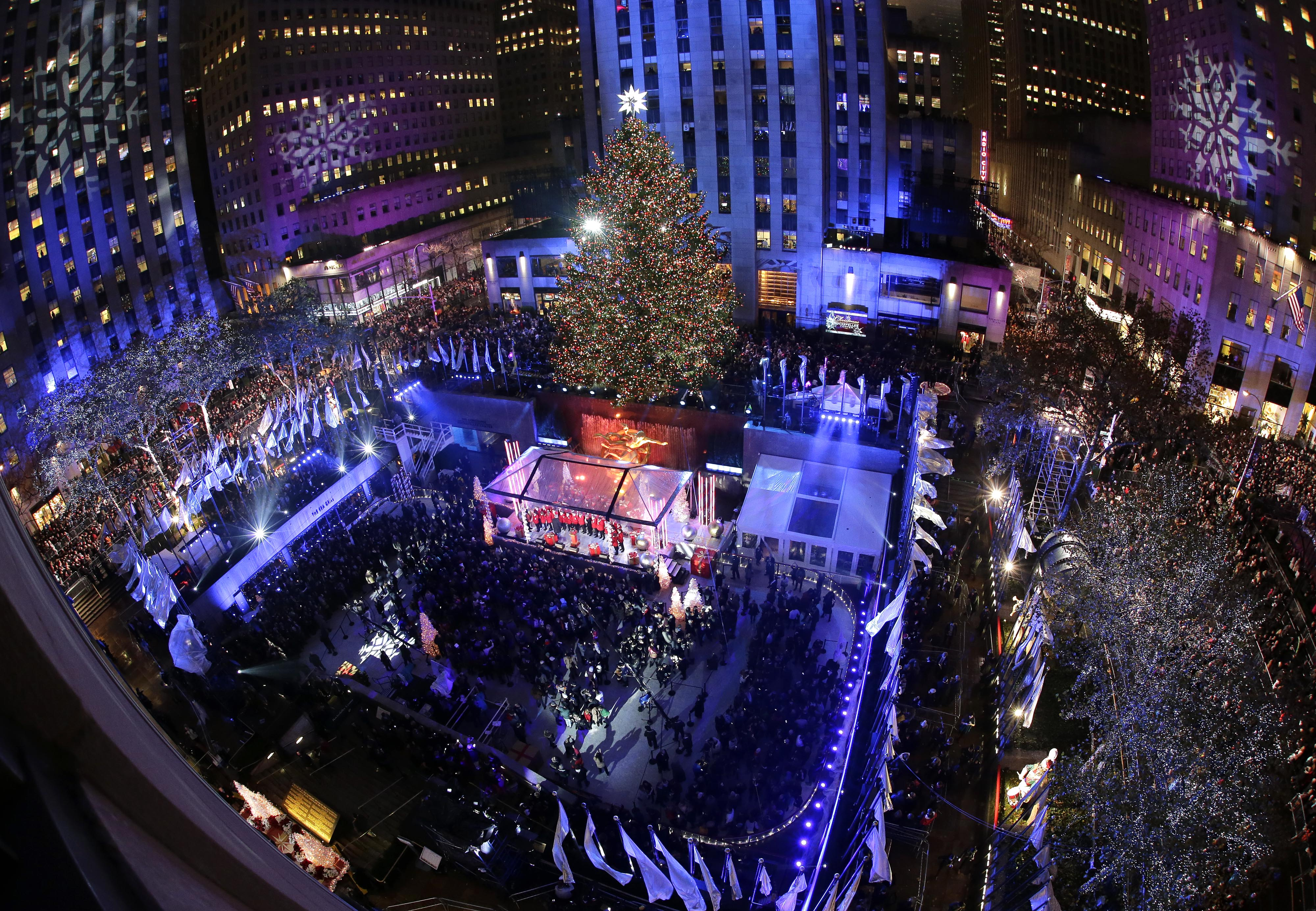 & Heightened security amid Rockefeller Christmas Tree lighting | WTOP azcodes.com
