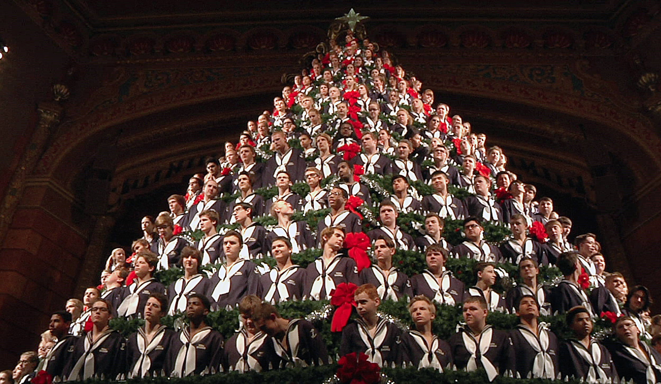 Michigan students ascend 5-story Singing Christmas Tree   WTOP