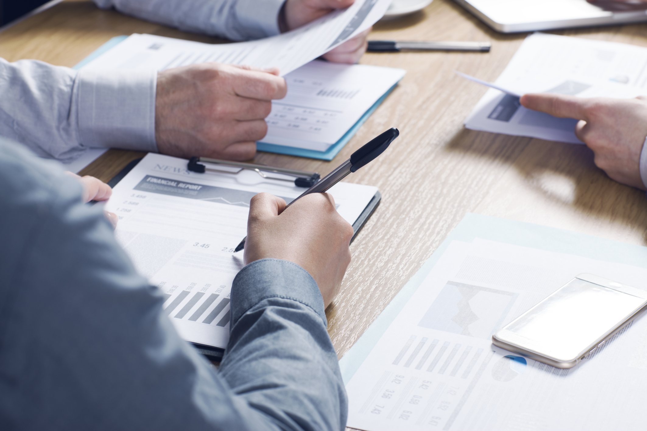 Red flags to watch for when choosing a financial advisor