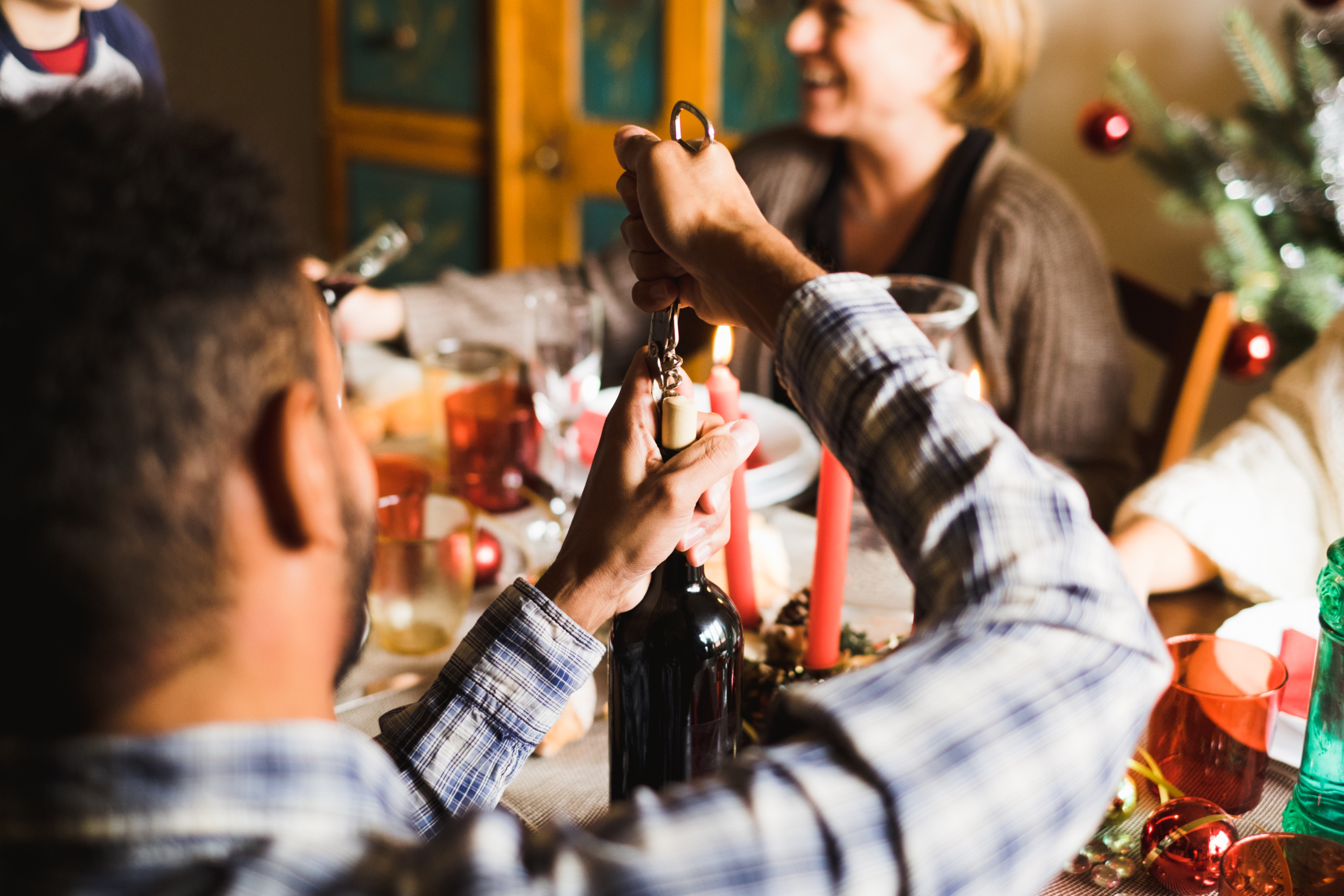 How to talk with family members about money at holiday gatherings
