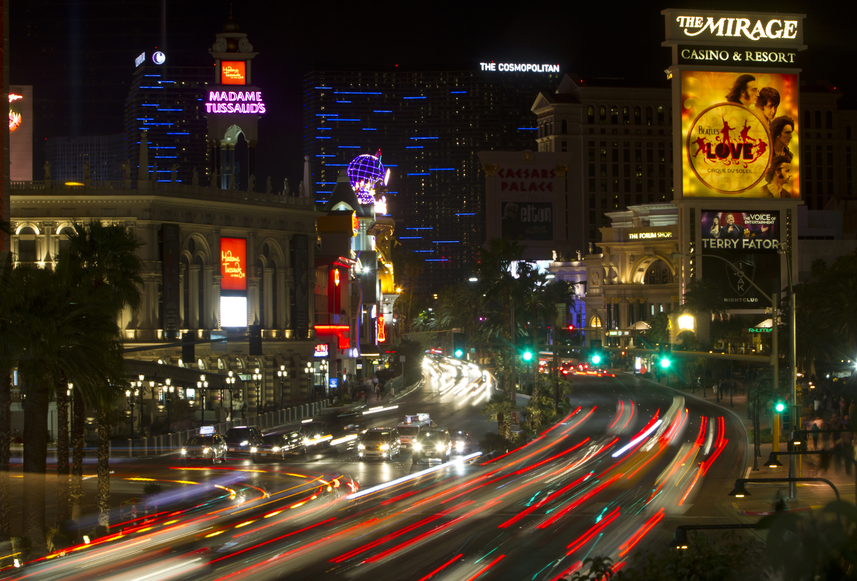 Vegas ego trip: The Strip that never sleeps … or stops eating