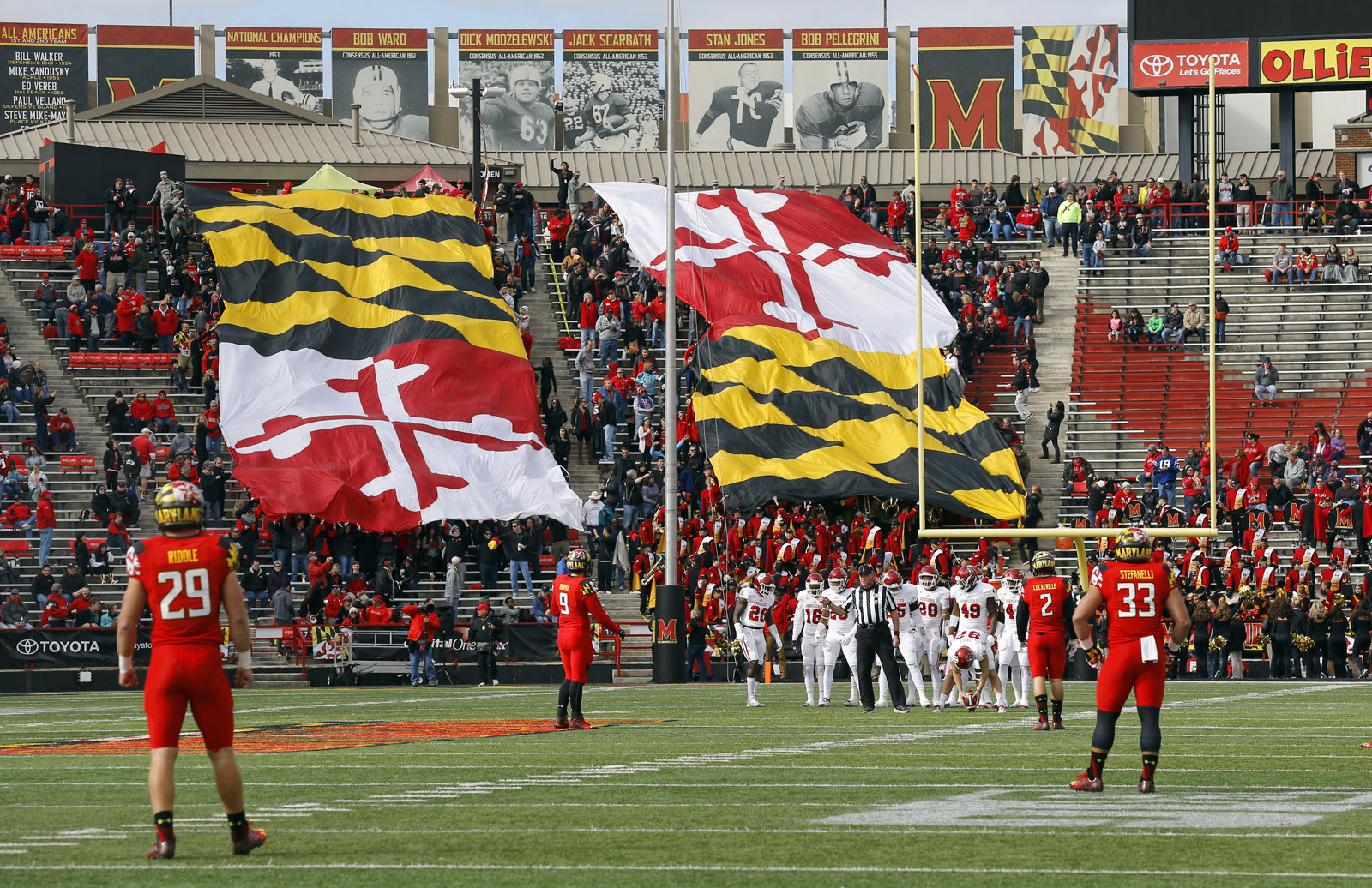Parents of U. Md. football player who died after practice say coach should step down