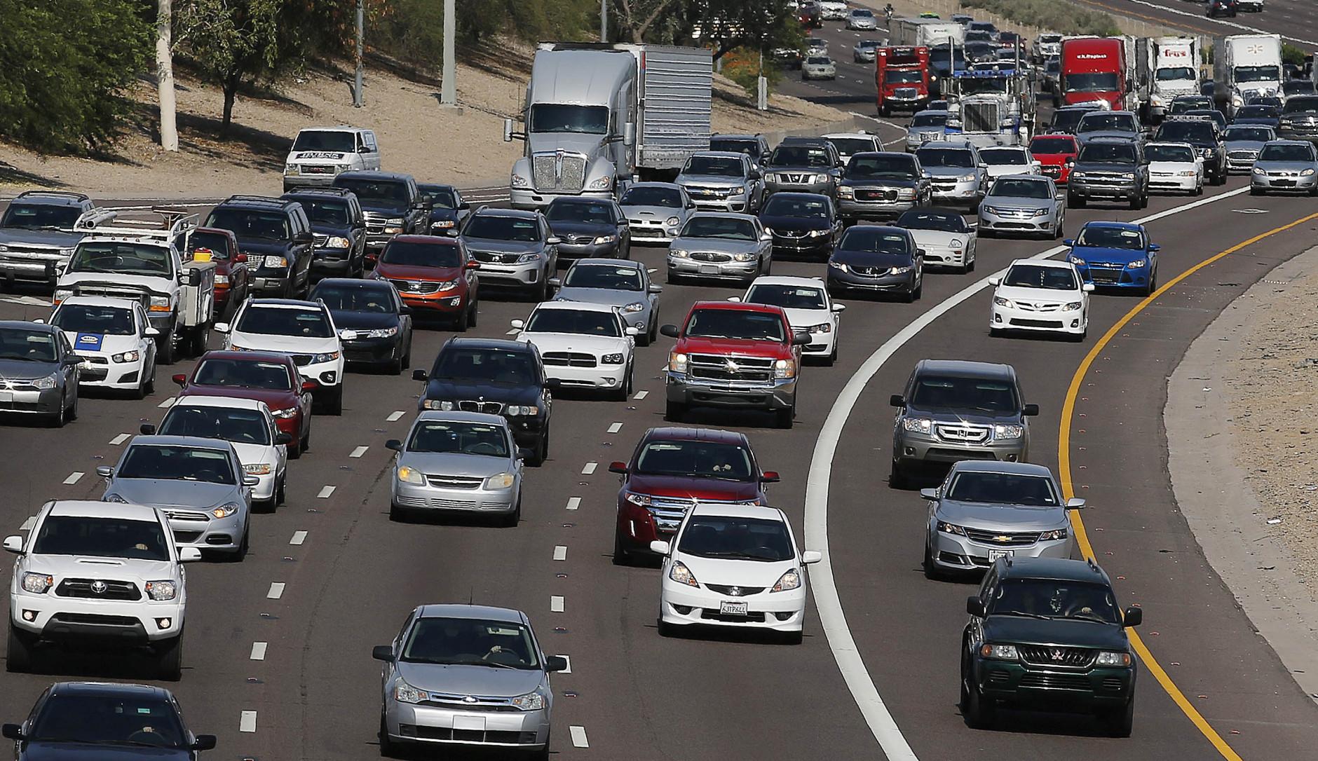 Lexus sedan tops list of most-ticketed vehicles in U.S.