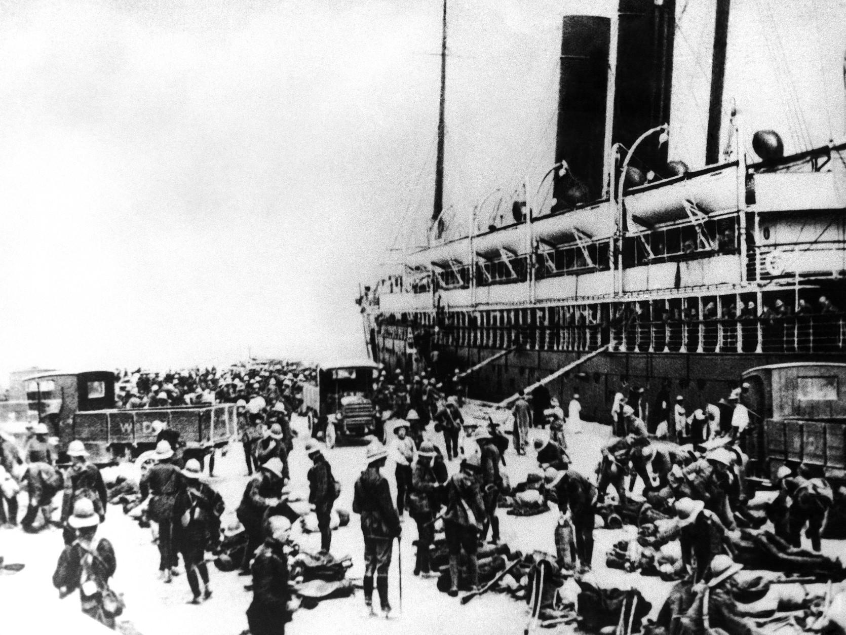 Australian troops arrive in Alexandria, Egypt, en route to the battlefield on the Gallipoli Peninsula in 1915. Thousands died in the nightmare battle of World War I. (AP Photo)