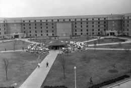 General view of the court in the Pentagon Building in Washington on July 10, 1943, showing the restaurant surrounded by umbrella covered tables where employees enjoy outdoor lunches. (AP Photo)