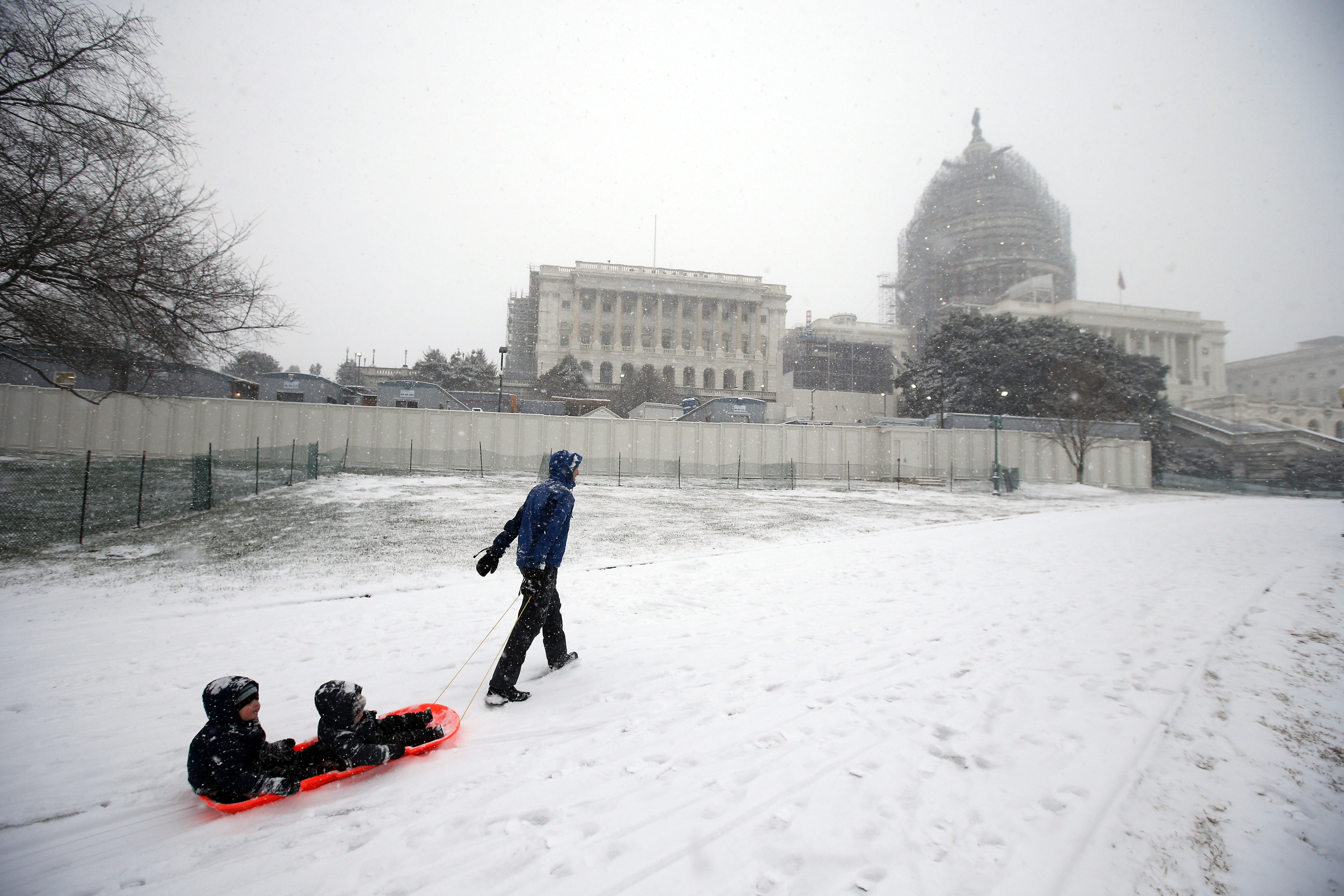 D.C. mayor: Black ice a threat for Monday drivers