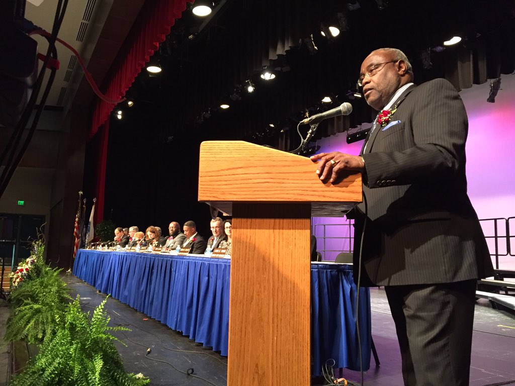 During the ceremony, outgoing four-term Mayor Bill Euille delivered some parting words. (WTOP/Michelle Basch)