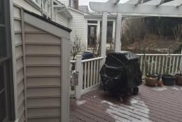 Snow accumulates in under 10 minutes in Gaithersburg, Maryland. (Courtesy @DavidPeikin)