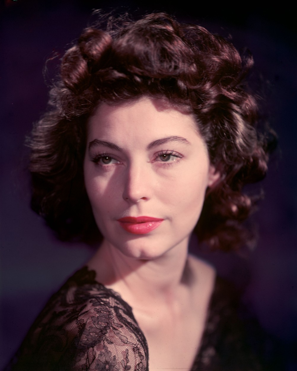 Ava Gardner (1922 - 1990), the sensuous Hollywood star and film actress. She appeared in 'The Killers' (1946), 'Pandora & The Flying Dutchman' (1951) and 'The Barefoot Contessa' (1954).   (Photo by Baron/Getty Images)