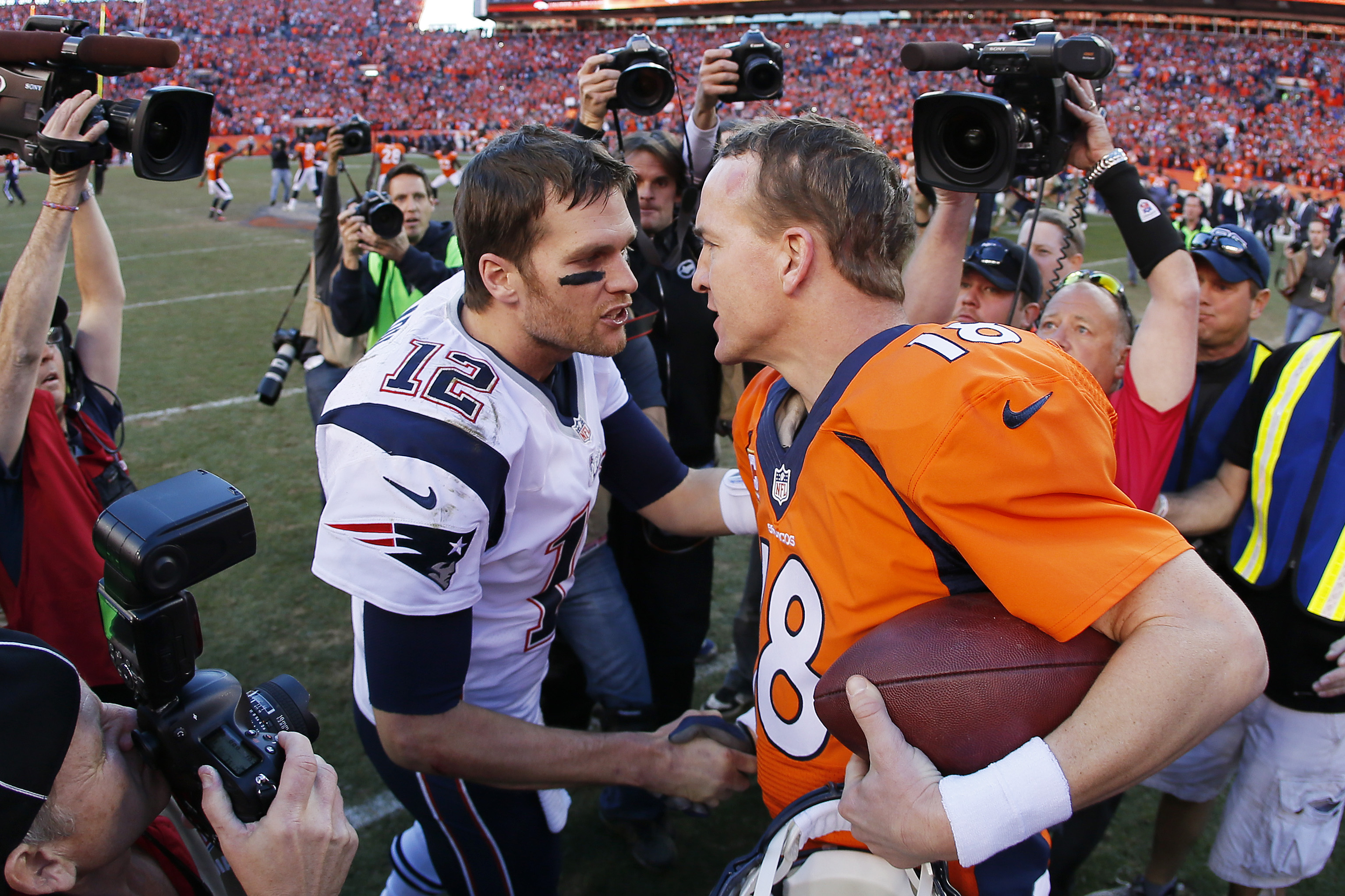 NFL Divisional Round Wrap: Manning vs. Brady is no longer a headliner