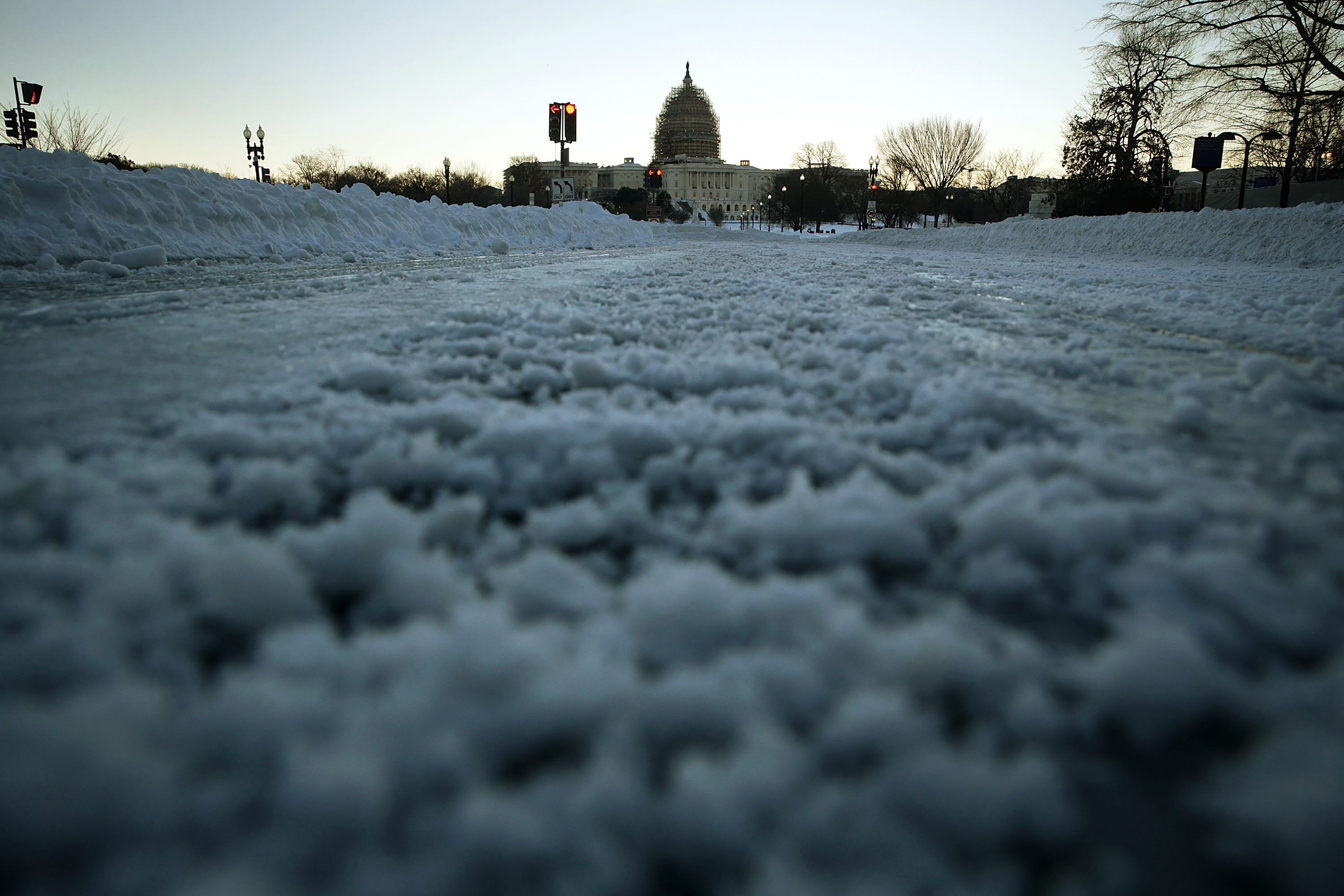 OPM takes heat for snow closure procedures