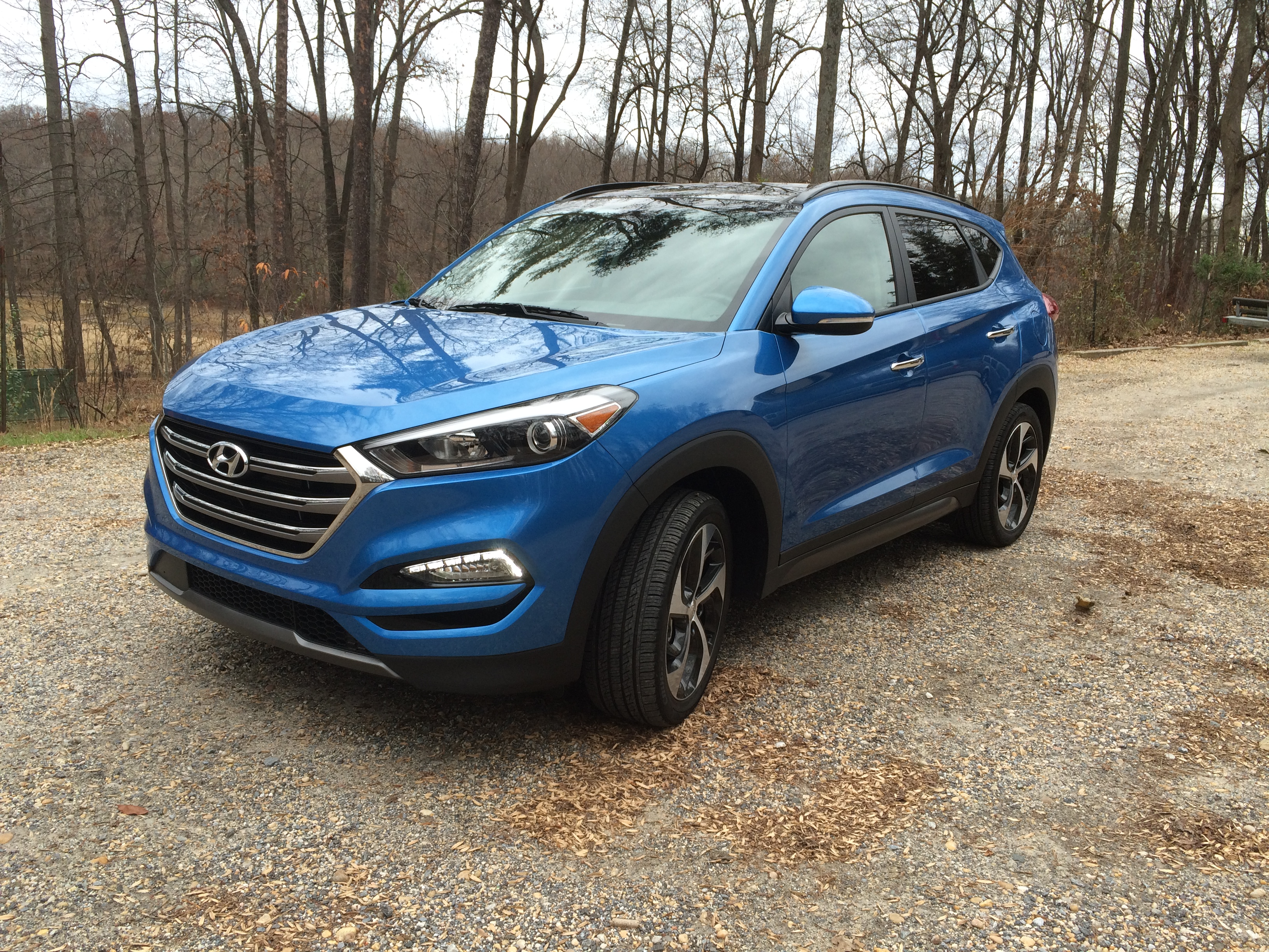 Hyundai upgrades compact Tucson Limited crossover for 2016