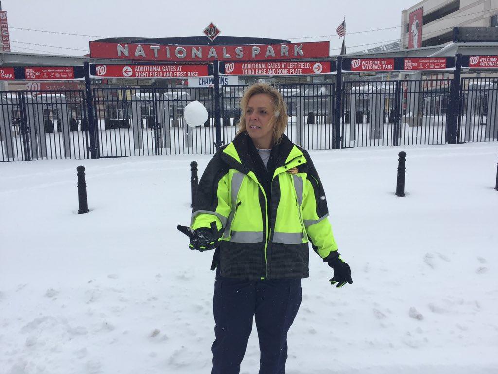 D.C. police keep a sense of humor through a snowy weekend